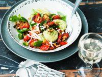 Grüne Gnocchi mit gebackenen Tomaten Rezept