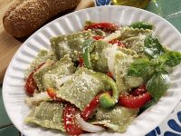 Grüne Ravioli mit Paprika und Käse Rezept
