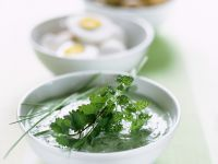 Grüne Sauce mit Ei und Kartoffeln