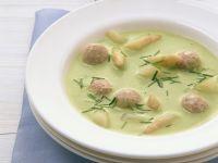 Grüne Spargelsuppe mit Fleischbällchen Rezept