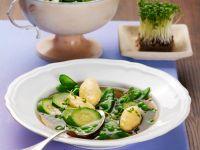 Grüne Suppe mit Safran-Schwemmklößchen Rezept