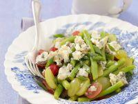 Grüner Bohnensalat mit pikantem Käse und Trauben Rezept