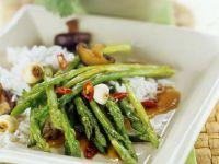 Grüner Spargel asiatisch zubereitet Rezept