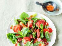 Grüner Spargel-Erdbeersalat mit Rhabarber Rezept