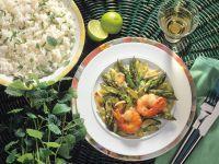 Grüner Spargel mit Shrimps
