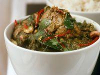 Grünes Curry mit Hähnchen