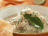 Grünes Kokoscurry mit Fisch