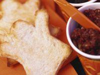 Grusel-Toasts mit Aufstrich Rezept