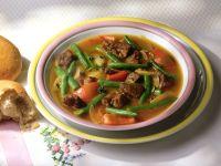 Gulaschsuppe mit Tomaten und grünen Bohnen Rezept