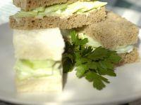 Gurken-Frischkäse-Sandwiches Rezept