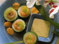 Gurkenhäppchen mit Räucherlachs Rezept