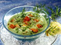 Gurkenkaltschale mit Lachswürfeln Rezept