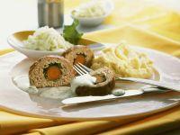 Hackbraten mit Kartoffelpüree und Kräutersoße Rezept