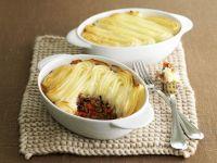 Hackfleischauflauf mit Kartoffelhaube (Shepherd's Pie) Rezept