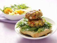 Hähnchen-Gemüse-Buletten mit Brötchen Rezept