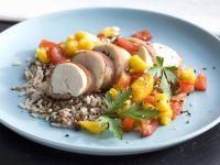 Hähnchen in Speckhülle mit Tomaten-Mango-Soße und Reis Rezept