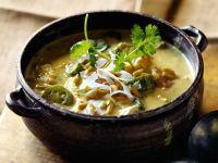 Hähnchen-Kokos-Eintopf mit Gemüse und Erdnüssen Rezept