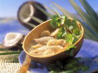 Hähnchen-Kokossuppe