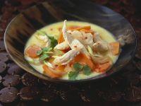 Hähnchen-Kokossuppe aus dem Wok Rezept