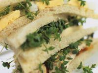 Hähnchen-Sandwich mit Ei Rezept