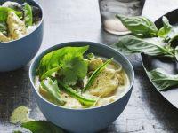 Hähnchen-Suppe mit Kräutern aus Malaysia Rezept