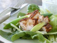 Hähnchenbrust in Marinade mit grünem Salat Rezept