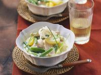 Hähnchenbrust mit grünem Spargel und Kartoffeln in Sahnesauce Rezept
