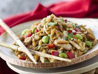 Hähnchensalat mit Orzo auf asiatische Art Rezept