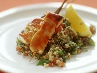 Hähnchenspieße auf Couscoussalat Rezept