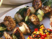 Hähnchenspieße mit Zwiebeln und Lorbeer Rezept