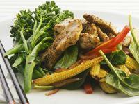 Hähnchenstreifen mit Gemüse auf asiatische Art Rezept