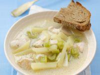 Hähnchensuppe mit Sellerie und Kartoffeln Rezept