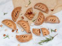 Hand-Pies mit Tomaten-Haselnuss-Rosmarin-Füllung Rezept