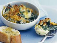 Harte Eier mit Käse und Spinat Rezept