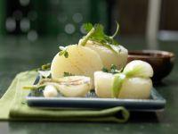 Harzer-Snack mit gebratenen Frühlingszwiebeln Rezept