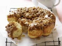 Hefebrötchen mit Honig und Nüssen Rezept