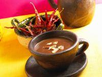 Heiße Schokolade mit Chili und Mandeln Rezept