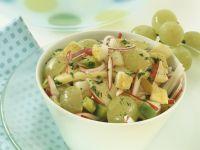 Herbstlicher Käse-Traubensalat mit Birne Rezept