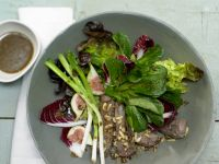 Herbstlicher Salat mit Lammfilet Rezept
