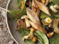 Herbstlicher Salat mit Pilzen und Kaninchenfilet Rezept