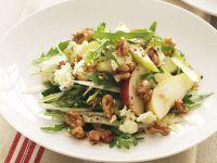 Herbstsalat mit Chicorée, Birnen, Nüssen und Blauschimmelkäse Rezept