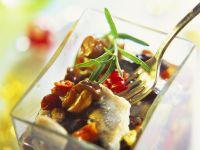 Herings-Pilz-Salat mit Paprika Rezept