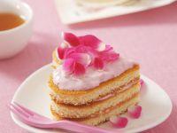 Herztörtchen mit rosa Erdbeersahne Rezept