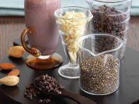 Himbeer-Milchshake mit Chia und Mandeln Rezept
