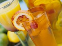 Himbeer-Orangen-Bowle und Sunrise Rezept