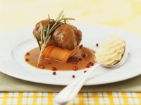 Hirschroulade mit Rotweinsauce Rezept