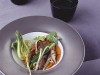 Hirschrücken mit Pilzen und Kürbis Rezept