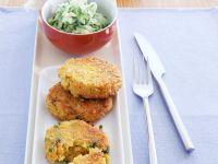 Hirse-Curry-Taler mit Gurkensalat Rezept