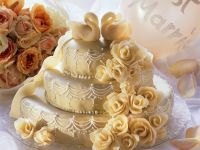 Hochzeitstorte mit Schwänen Rezept