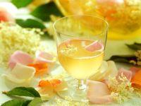 Hollerblüten-Rosen-Drink Rezept